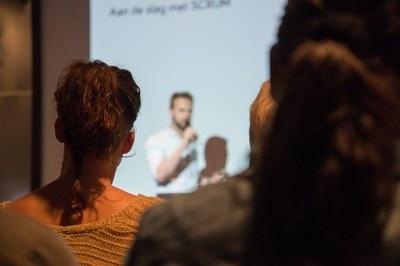 Curso de Administração promove seminário metodológico para alunos