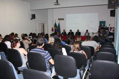Izabela sedia II Seminário Nacional realizado pelo Conselho de Arquitetura