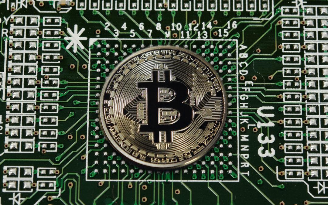 Bitcoin e demais criptomoedas: vale a pena investir?