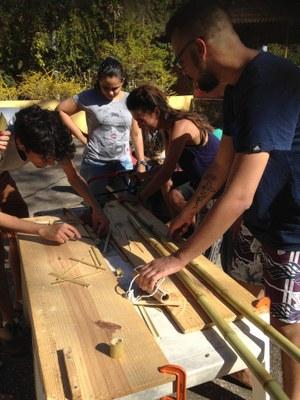 Oficina do projeto Ecoarq leva oficina de bambus à comunidade de Sabará