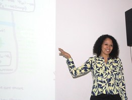 A palestrante, Daniela Boanares, falou sobre um tema que é novidade na academia