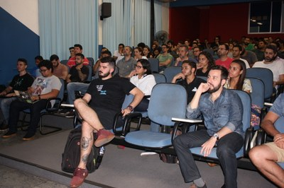 Curso de Ciências de Dados sedia 'MeetUp: Machine Learning Experience'