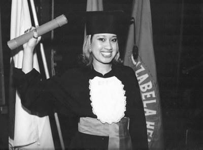 Egressa do Izabela apresenta trabalho de pós-graduação na UFMG