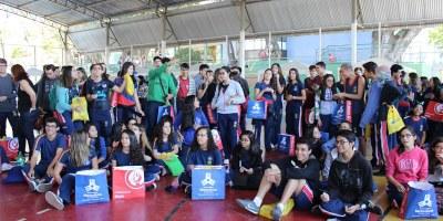Izabela Hendrix marca presença em encontro de orientação profissional do Colégio Batista Mineiro