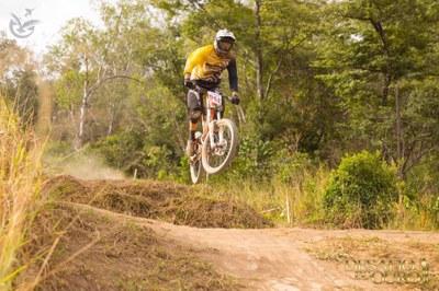 Competição de ciclismo é palco para atividades dos cursos de Educação Física e Fisioterapia