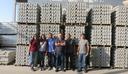 Alunos de Engenharia Civil participam de visita técnica em fábrica de blocos de concreto