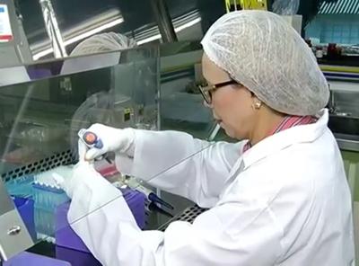 Izabela pesquisa tratamentos mais eficientes para o câncer de ovário