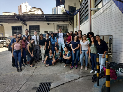 Alunos do Izabela visitam Instituto de Criminalística