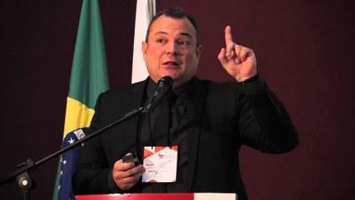Coordenador do curso de Direito palestra em prestigiado congresso