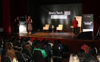 Izabela Hendrix apoia realização da She's Tech Conference 2018