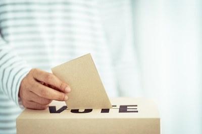 Izabela Hendrix organiza eleição para CONSUN e CPA