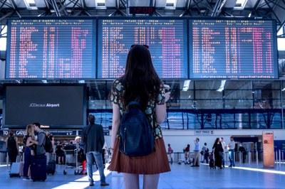 Izabela Hendrix proporciona oportunidades de estudos no exterior para discentes