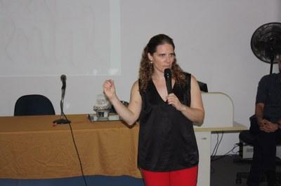 Izabela Hendrix realiza palestras sobre Apoio Psicopedagógico e Internacionalização