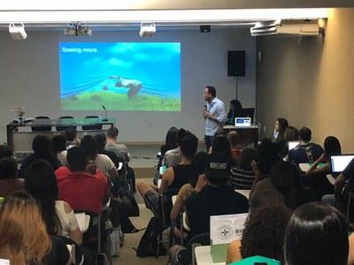 Semana do Biomédico celebra 10 anos do curso e promove discussões sobre área da saúde