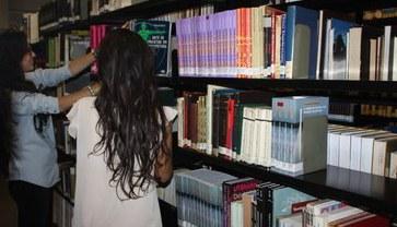 Atividades de laboratórios e pesquisas que promovem uma formação profissional e acadêmica integral