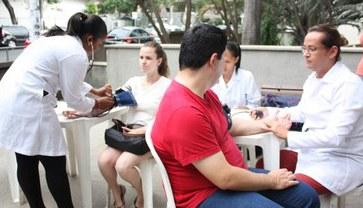 Atividades de extensão, interdisciplinaridade e uma preparação voltada para as necessidades da sociedade