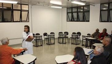 Raciocínio crítico, rigor científico, atividades de socialização e visão global são características da formação